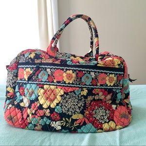 Vera Bradley Happy Snails Floral Duffle Bag 🌸🌼🌺